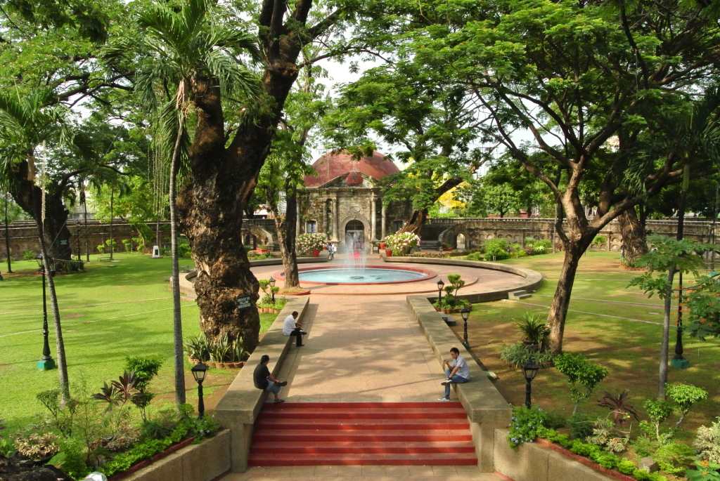 View_from_the_pathway_at_Paco_Park