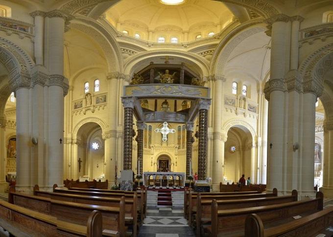altar of Ta Pinu Basilica
